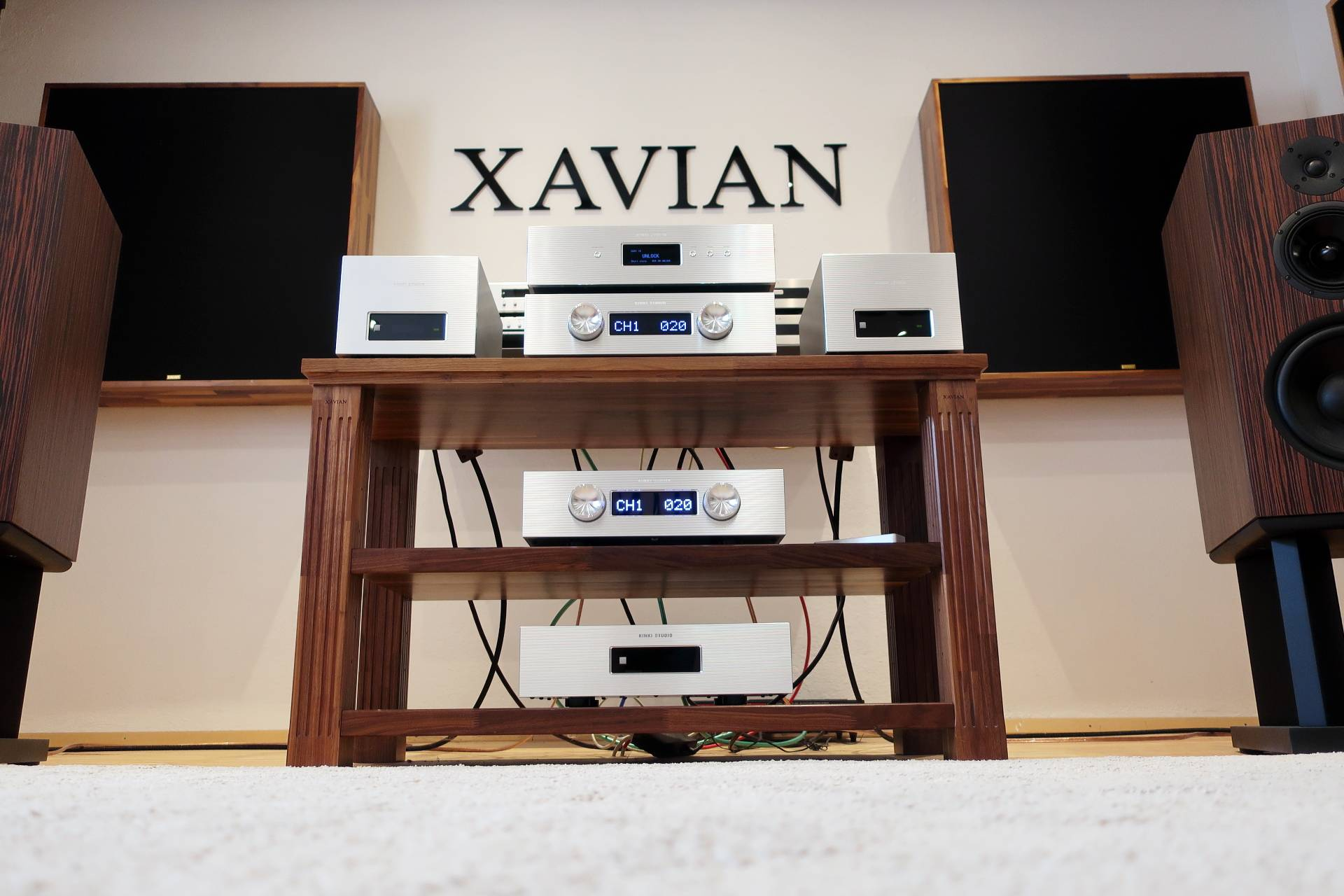 kinki-studio-xavian-1